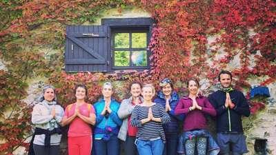 actividades montaña naturaleza alquiler yoga zapatierno